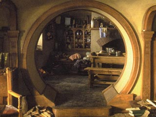 Bilbos hobbit hole inside images galleries with a bite - Lord of the rings book ends ...